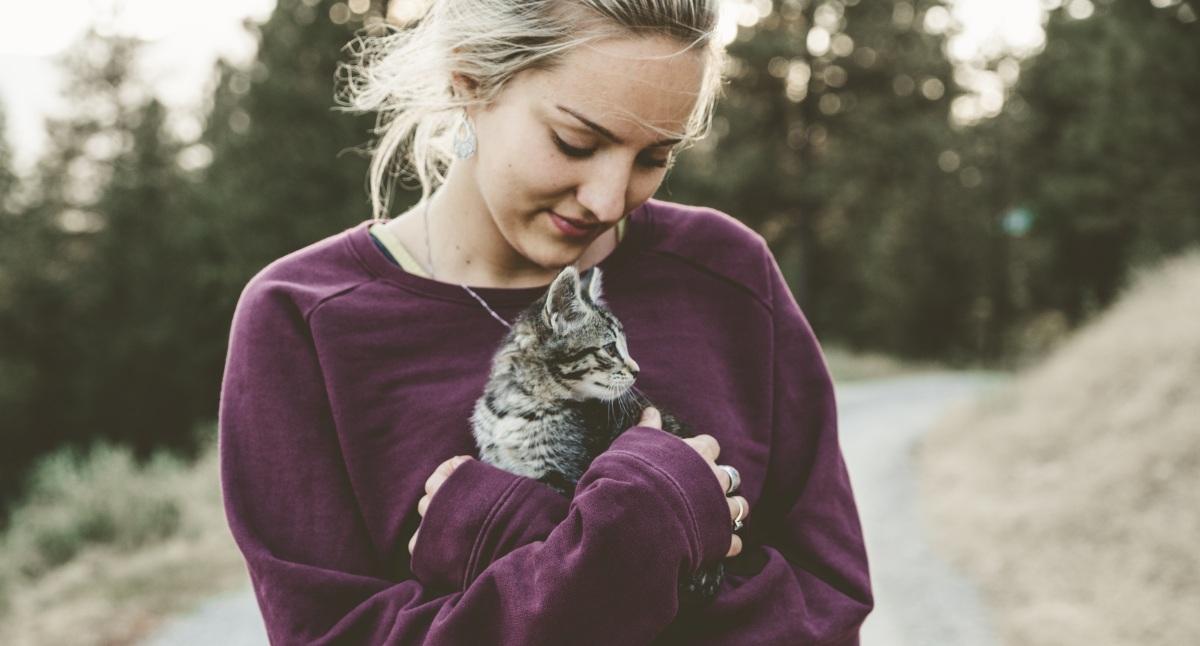 ¿Sabes que hablar con tu mascota es un claro signo de inteligencia?